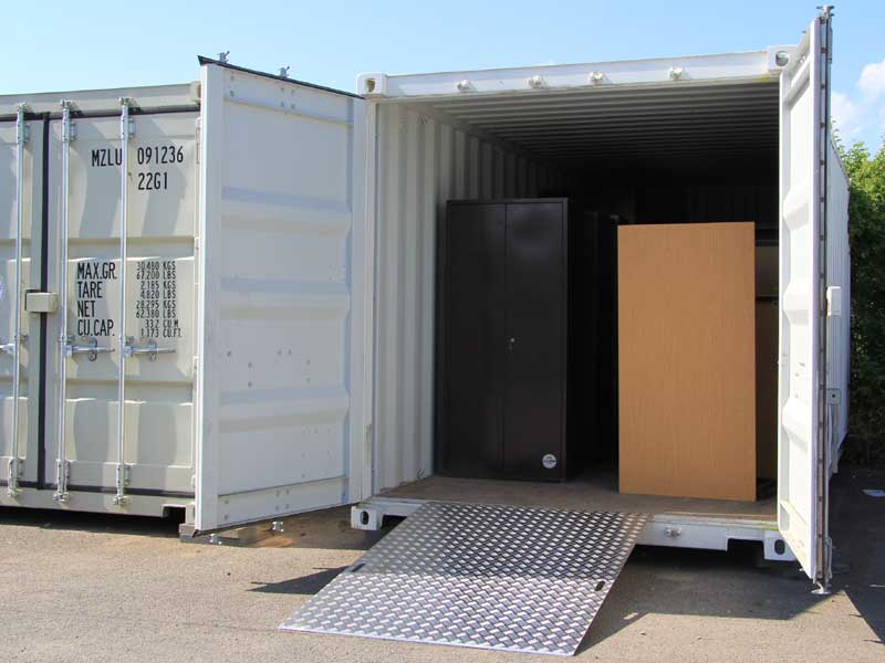 container zubeh r auffahrrampe f r container menzl gmbh. Black Bedroom Furniture Sets. Home Design Ideas